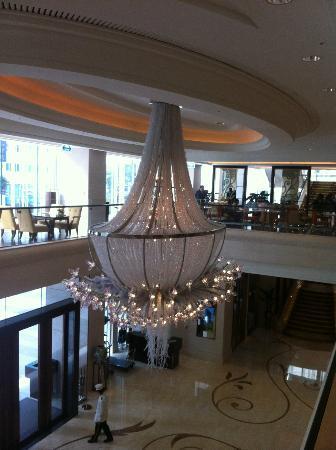 The Okura Prestige Taipei: The hotel chandelier at the entrance