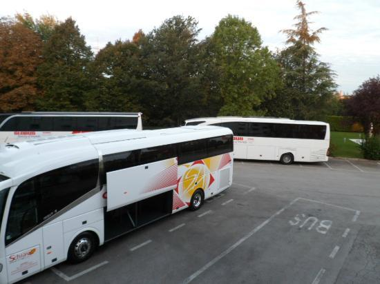 Hotel Poppi: can have 6 coaches parked here