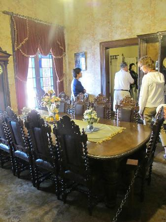 President Paul Kruger House: dining table