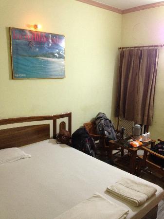 Hotel Divya: Room
