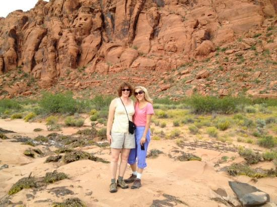 Sagestone Spa at Red Mountain : Lexi & Martha hiking in
