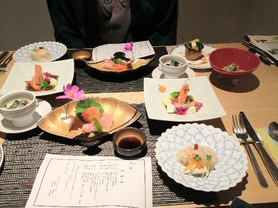 Hinatamikan: Dinner time