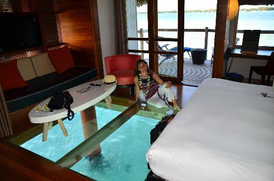 Le Meridien Bora Bora : Inside the bungalow