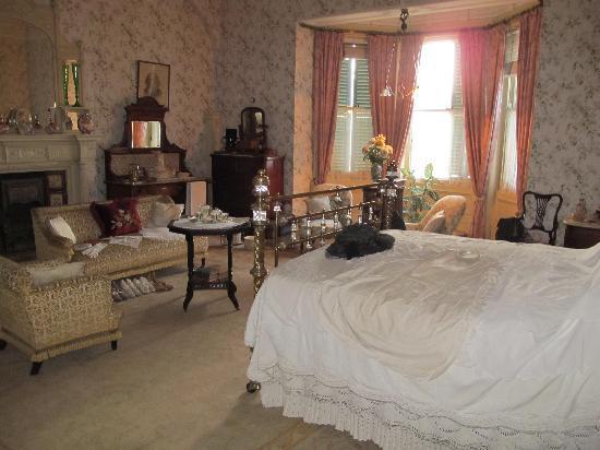 Melrose House: room