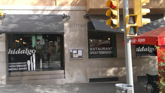 Restaurante Hidalgo: Fachada y terraza