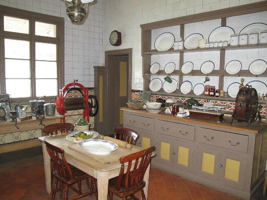 Melrose House: kitchen
