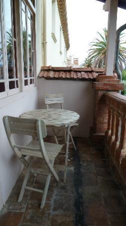 Maison 225: Balcony