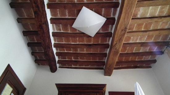 Hotel Ristoranti Locanda del Duca: soffitto camera 2