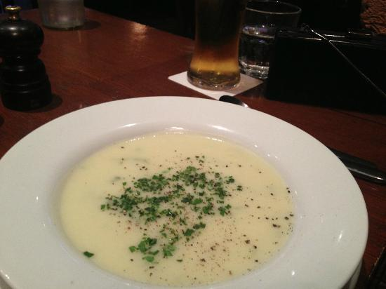 The Cadogan Arms : Potato Soup (+ good beer)