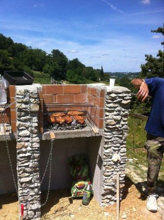 Happy Forest: 2 Barbecues au camping