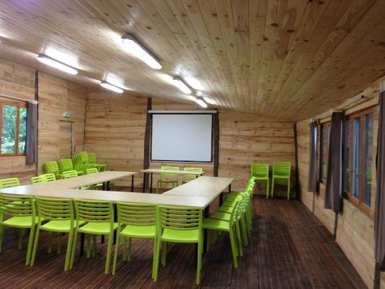 Happy Forest: La grande palombières de 80m² pour vos réunions, repas, séminaires, fêtes...