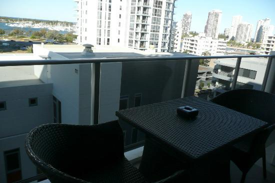 Meriton Serviced Apartments Aqua Street, Southport: nice sized balcony