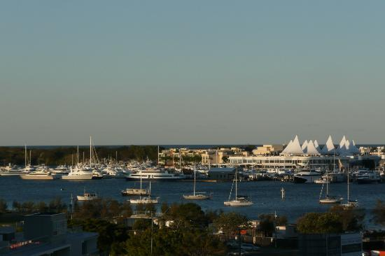 Meriton Serviced Apartments Aqua Street, Southport: View from our one bedroom apartment: Marina Mirage 