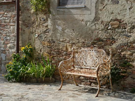 Il Molendino B&B: Lovely bench