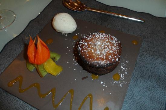 Cap Sud: Chocolate Lava Cake Dessert
