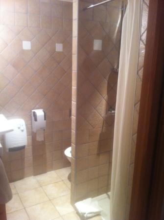 Auberge du Manoir: salle de bain