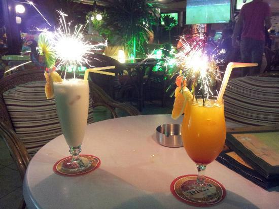 Jasmine Cocktail Cafe Bar: Cocktails