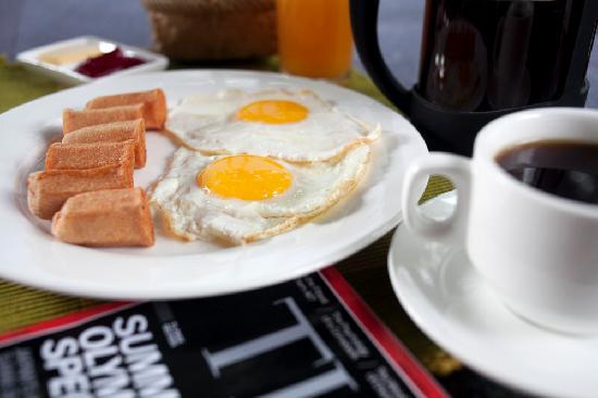 The Yellow House: The Morning Breakfast