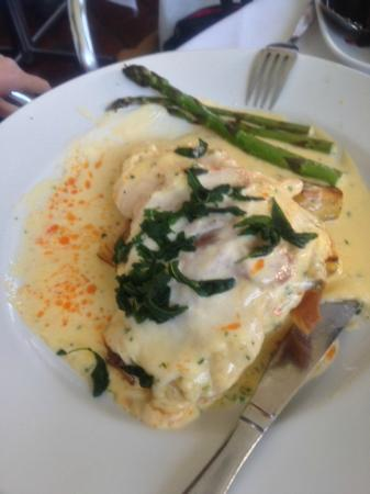 Prego Restaurant : Chicken Saltimbocca - carzy hard to mae well