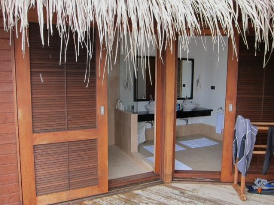 Mirihi Island Resort: Bathroom