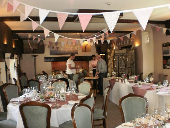 The Great House Hotel: Getting ready in reception room