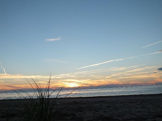 Clayton Farm Bed & Breakfast: Sunset Mabou Beach