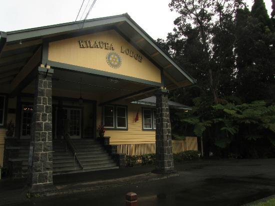 Kilauea Lodge: Main entrance