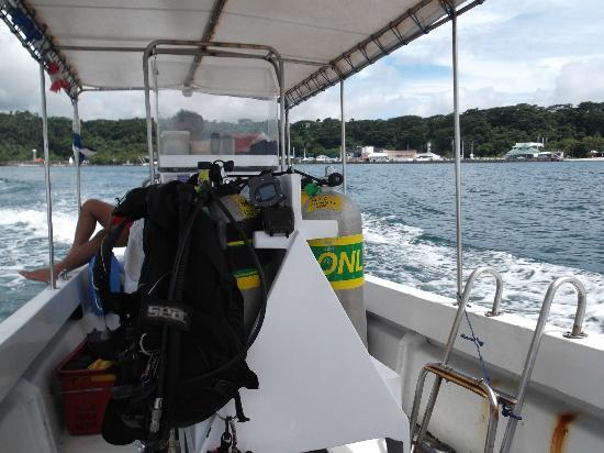 Johan's Beach Resort: Out on the boat