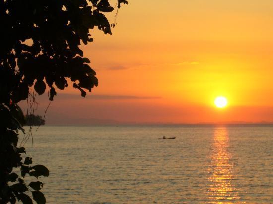 Ankermi / Happy Dive Resort : prachtige zonsondergang