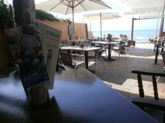 Faros Restaurant Acharavi : Faros on the beach