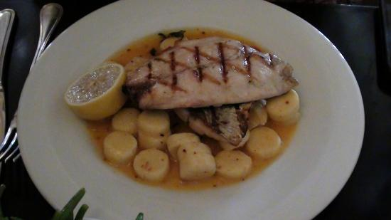 Brasserie M&R : Fish and gnochi that melts in your mouth!