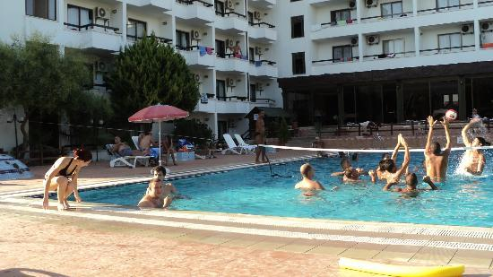 Ayma Hotel : The pool