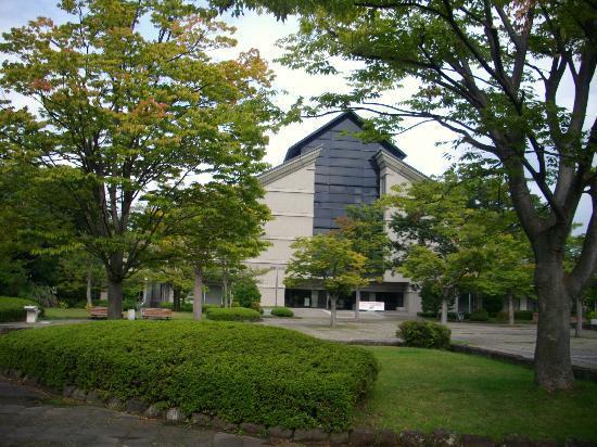 Yamagata Museum of Art: 山形美術館