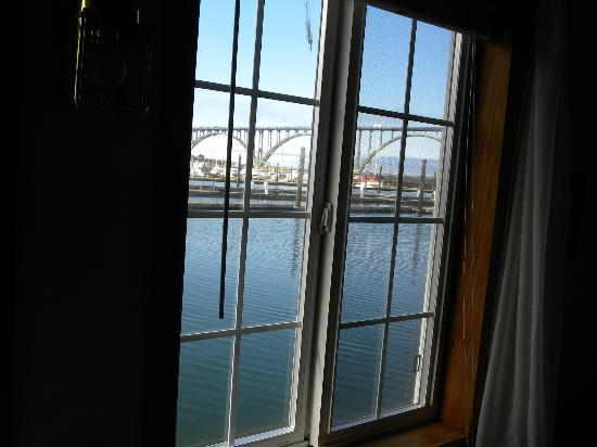 Newport Belle Bed & Breakfast: View out of our window