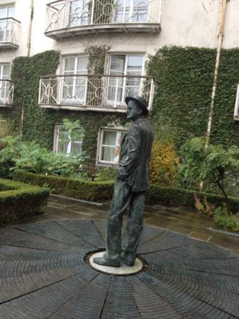 The Merrion Hotel: the garden