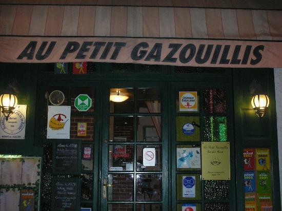 Castelnaudary, France: le petit gazouillis