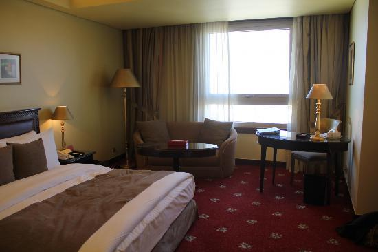 Le Royal Hotel Amman: room