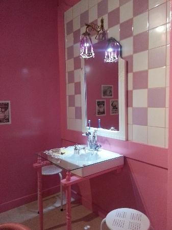 Mamie Bigoude : Salle de bains rose