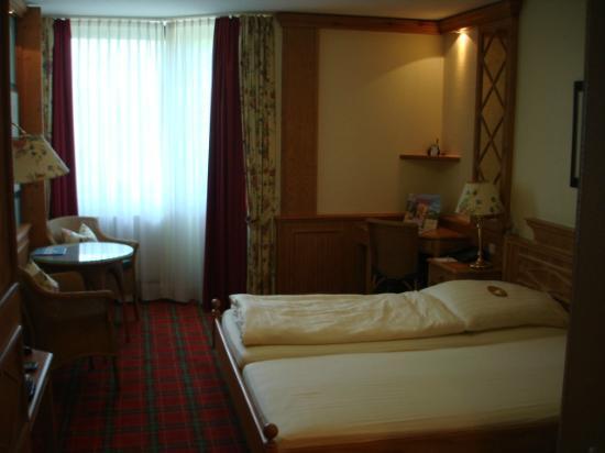 Land & Golf Hotel Stromberg: Bed