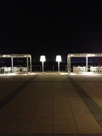 AC Hotel Palau de Bellavista: Terrace At Night