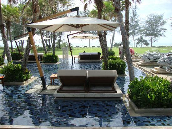 Anantara Mai Khao Phuket Villas: Pool Area