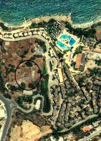 Candia Park Village: surroundings
