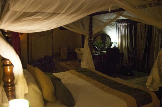 Mara Ngenche Safari Camp: Tent