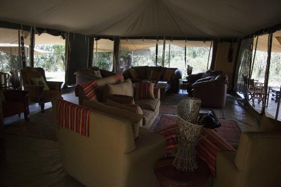 Mara Ngenche Safari Camp : Relax area