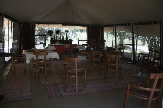 Mara Ngenche Safari Camp: Dining area