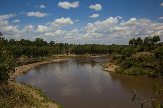 Mara Ngenche Safari Camp: Viewpoint of Talek meeting Mara River