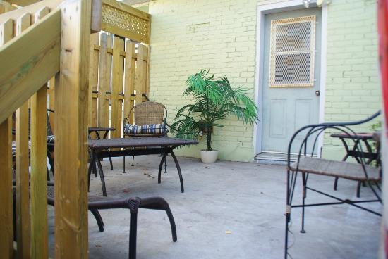 A l'Adresse du Centre-Ville: Terrasse 2
