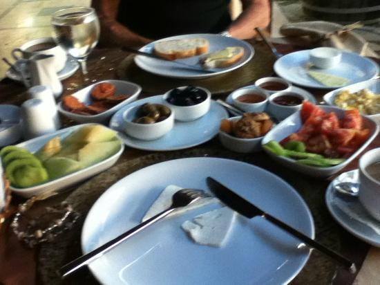 BinKaya Hotel : BinKaya Turkish breakfast!