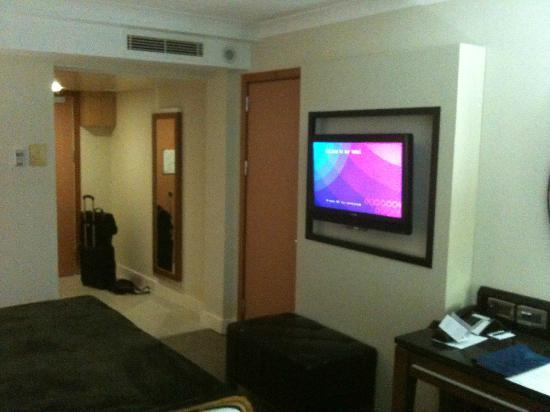 The Galmont Hotel & Spa: Large TV