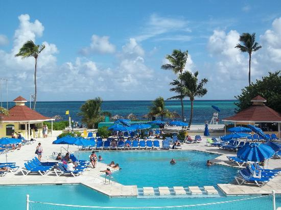 Breezes Resort & Spa Bahamas: pic taken from 2nd floor